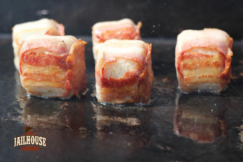 Bacon Sushi auf der Plancha